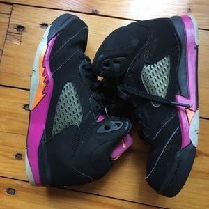 Girls black suede retro Jordan hi top sneaker 1
